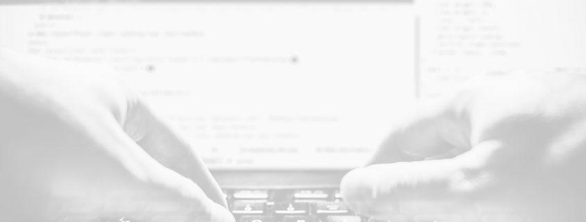 fondo de diseño web gris y teclado
